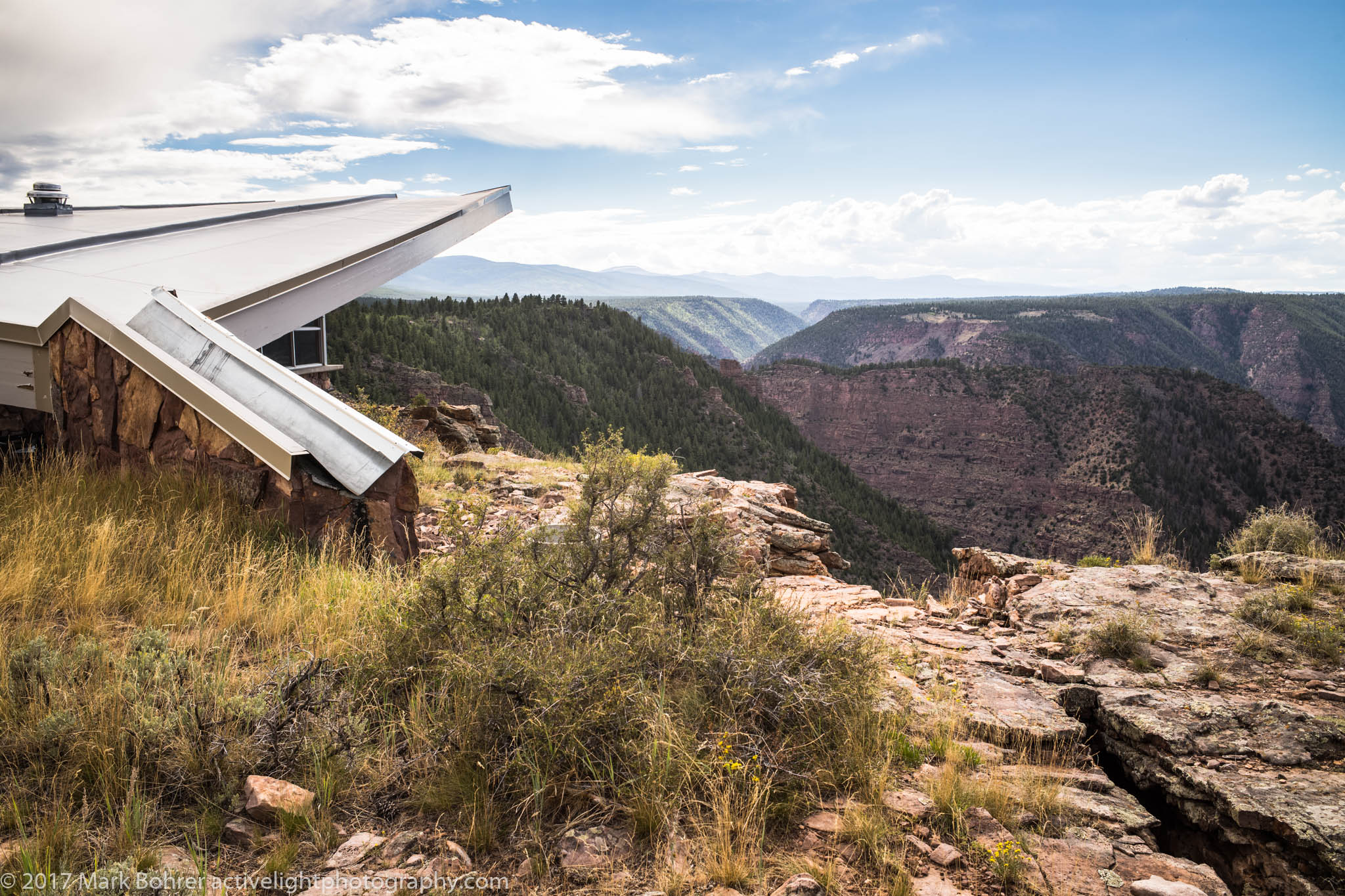 Visitor center and Red Canyon overlook