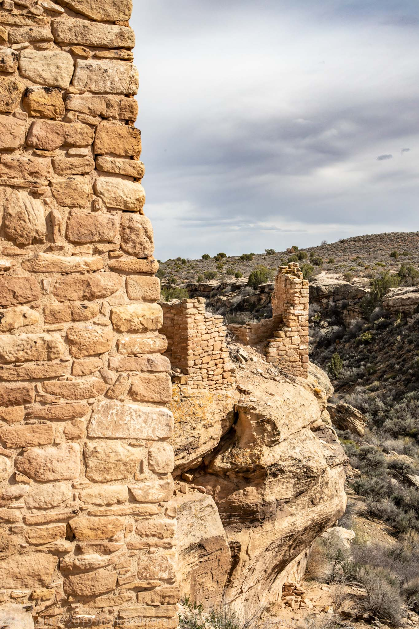 Building on a ledge - Hovenweep Castle